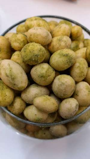 بادام زمینی روکش دار با طعم پیاز و جعفری100گرم